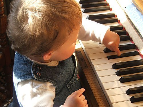 child piano photo